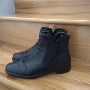 Ecco black ankle boots size 39